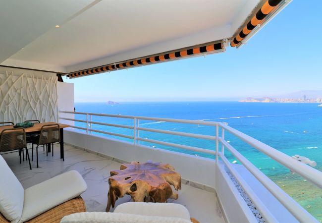 Apartamento de diseño con inmejorables vistas al mar.