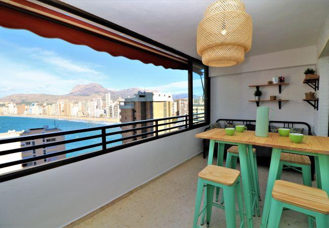 Appartement rénové avec vue sur la mer