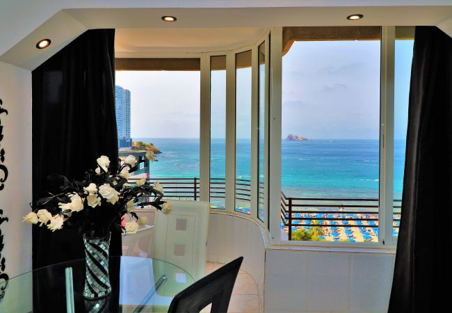 Apartment in Benidorm - Coblanca 8-72