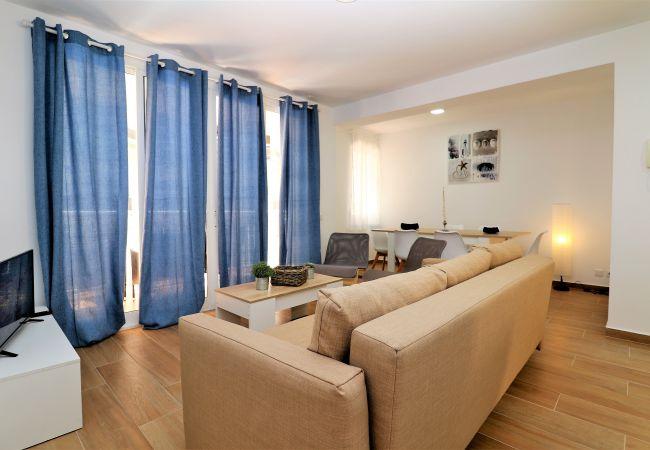 Apartment in Benidorm - Tugar 1-2